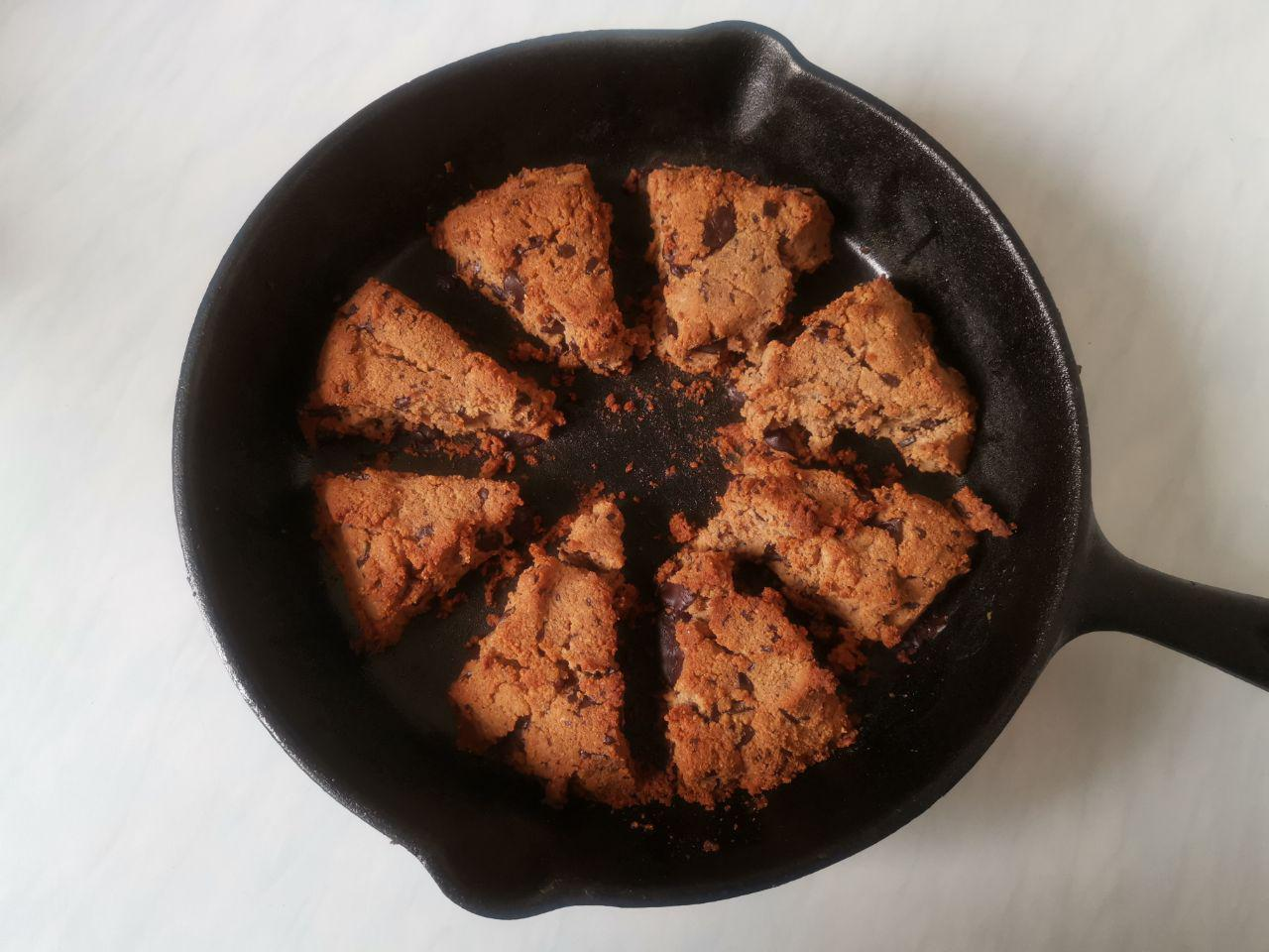 Keto Low Carb Chocolate Chip Scones